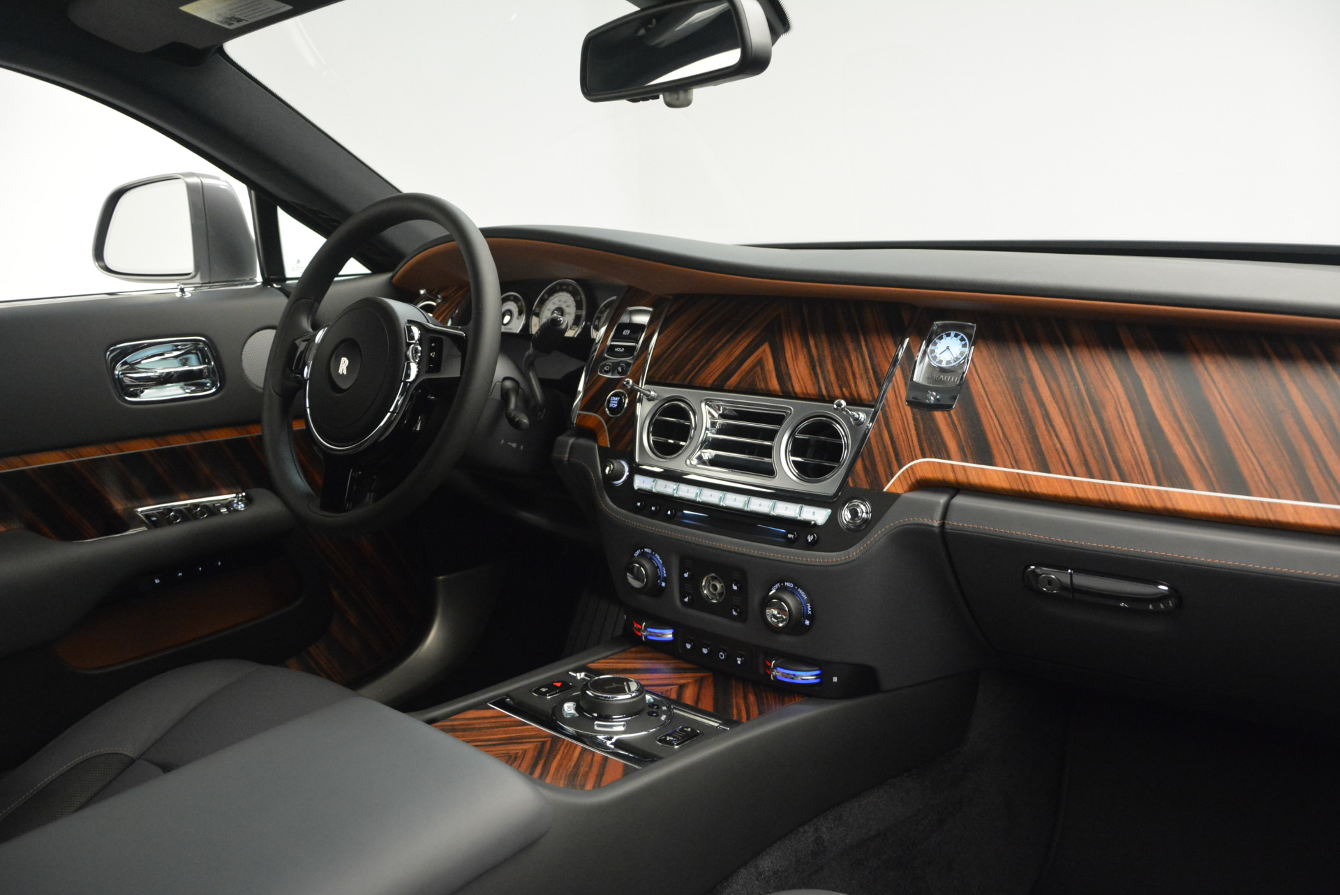Used 2015 Rolls-Royce Wraith  For Sale In Greenwich, CT. Alfa Romeo of Greenwich, B1217A 906_p27
