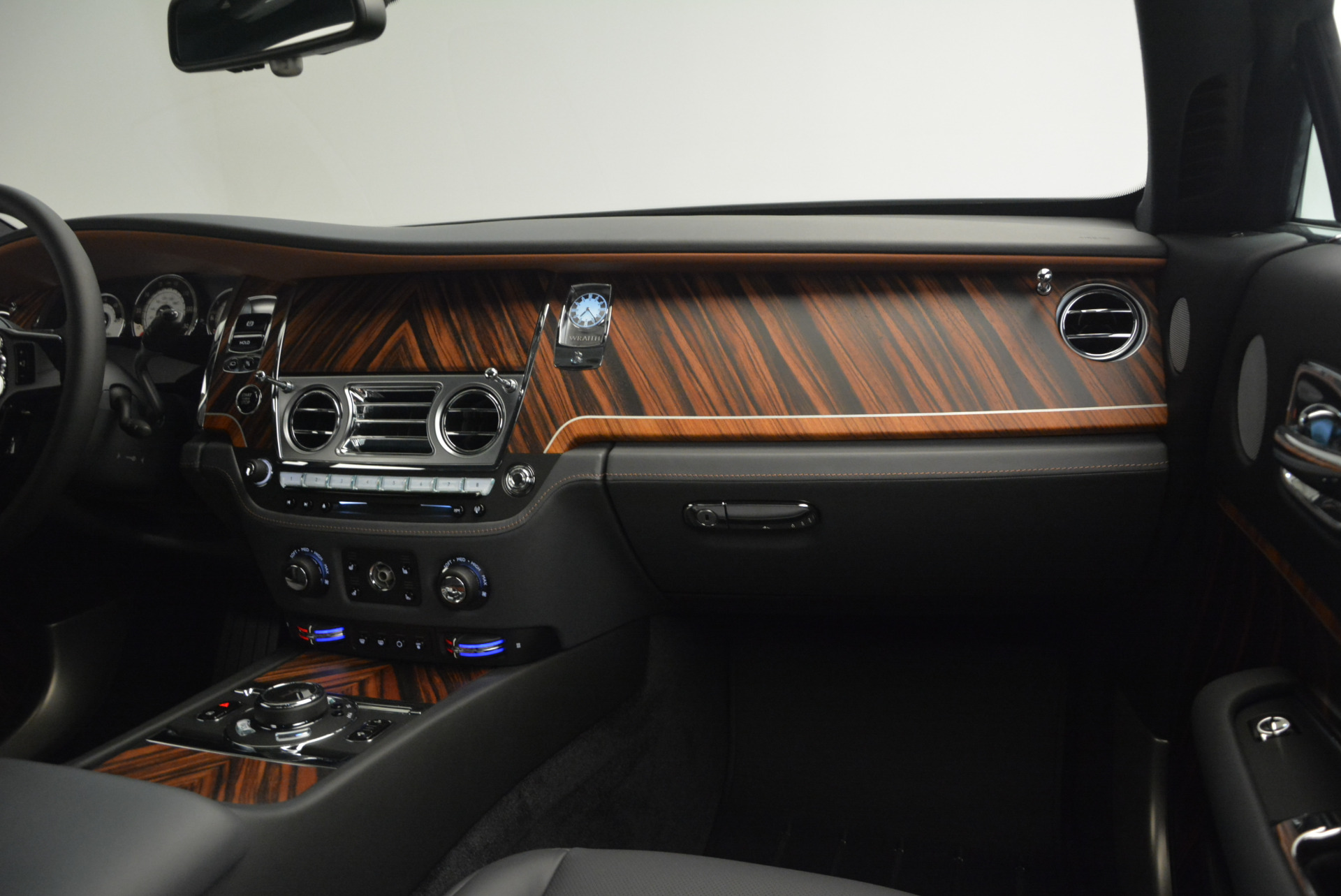 Used 2015 Rolls-Royce Wraith  For Sale In Greenwich, CT. Alfa Romeo of Greenwich, B1217A 906_p28