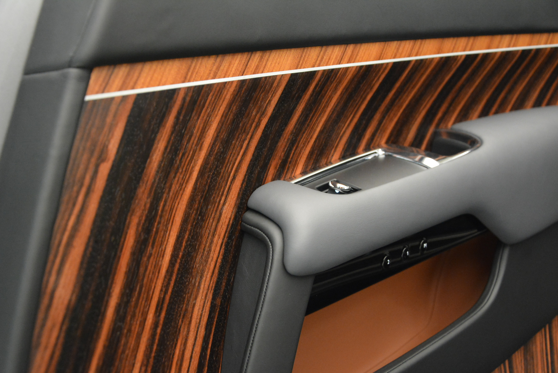 Used 2015 Rolls-Royce Wraith  For Sale In Greenwich, CT. Alfa Romeo of Greenwich, B1217A 906_p29