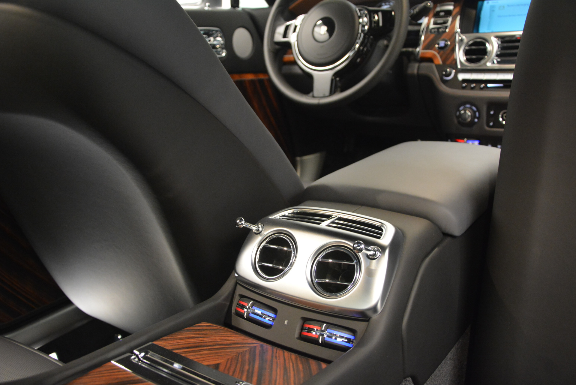 Used 2015 Rolls-Royce Wraith  For Sale In Greenwich, CT. Alfa Romeo of Greenwich, B1217A 906_p32