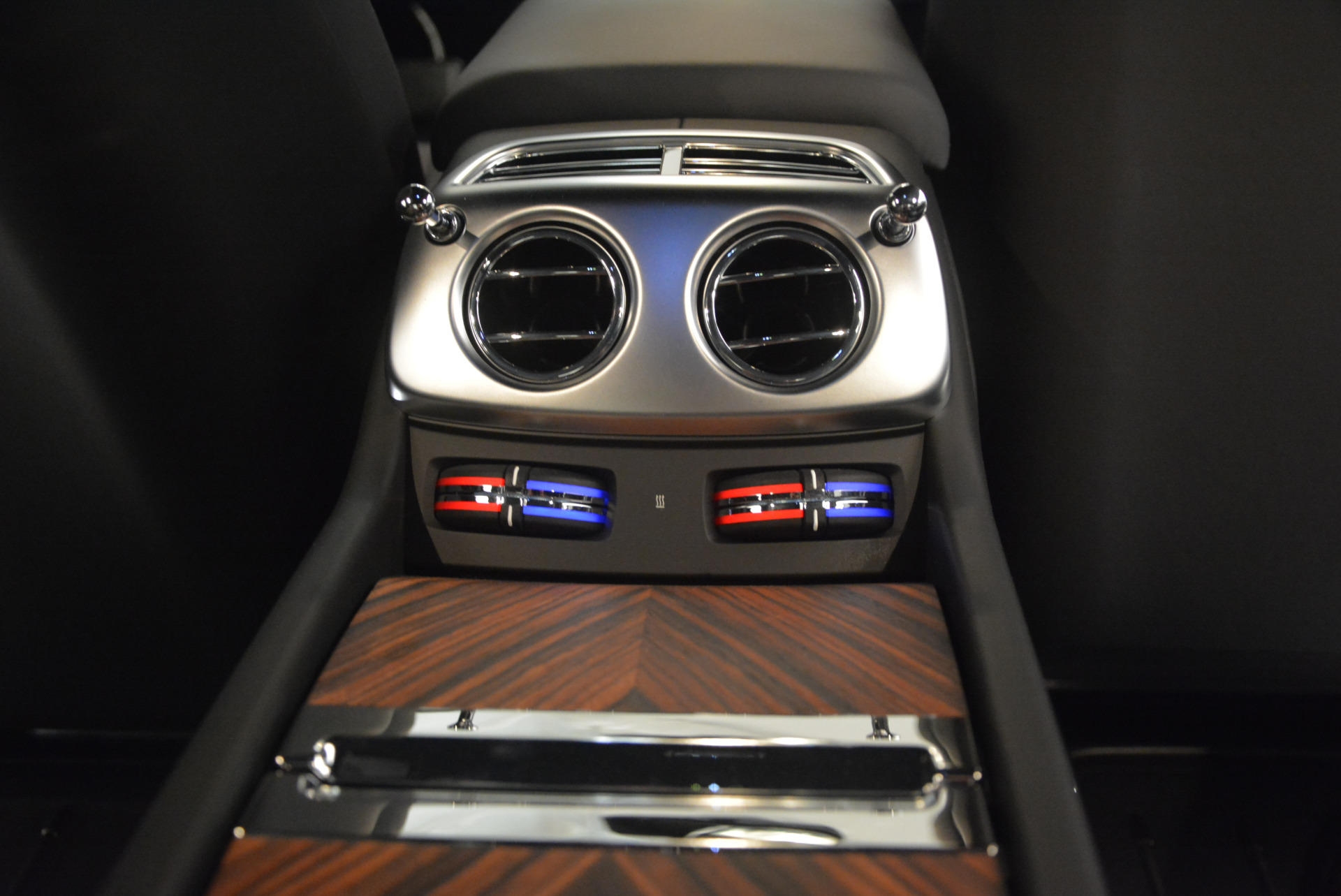 Used 2015 Rolls-Royce Wraith  For Sale In Greenwich, CT. Alfa Romeo of Greenwich, B1217A 906_p33