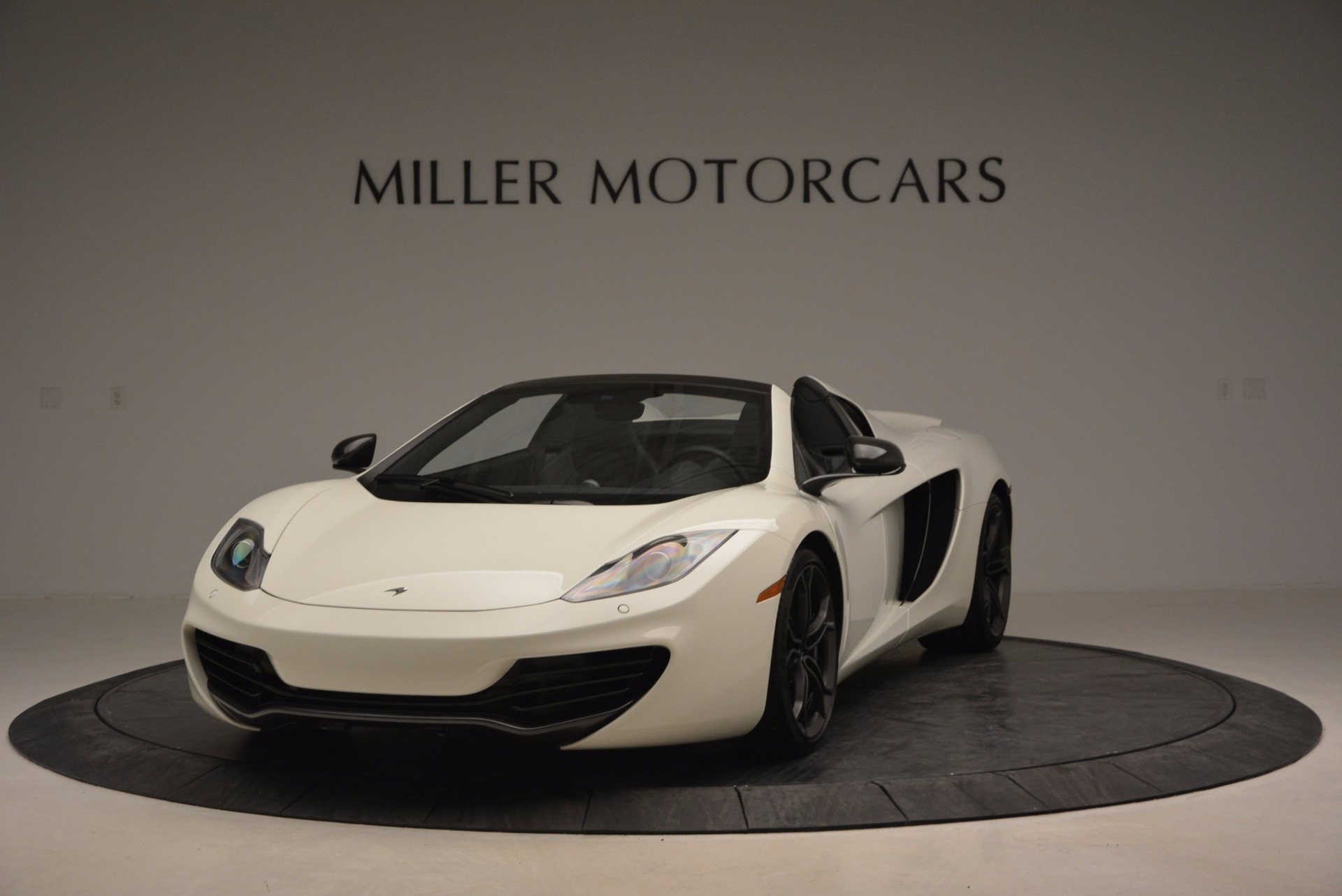 Used 2014 McLaren MP4-12C Spider For Sale In Greenwich, CT. Alfa Romeo of Greenwich, 3136 908_main