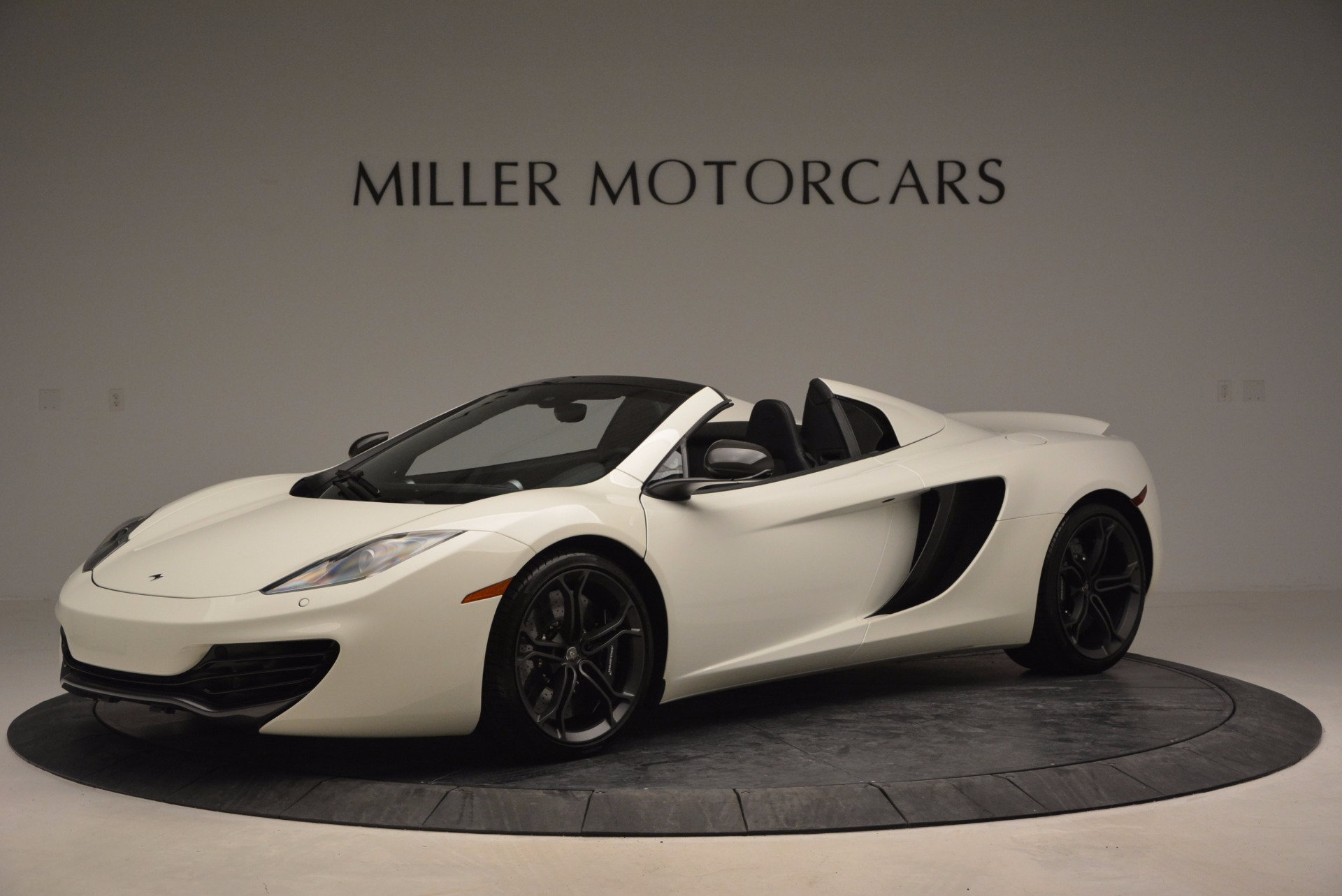 Used 2014 McLaren MP4-12C Spider For Sale In Greenwich, CT. Alfa Romeo of Greenwich, 3136 908_p2