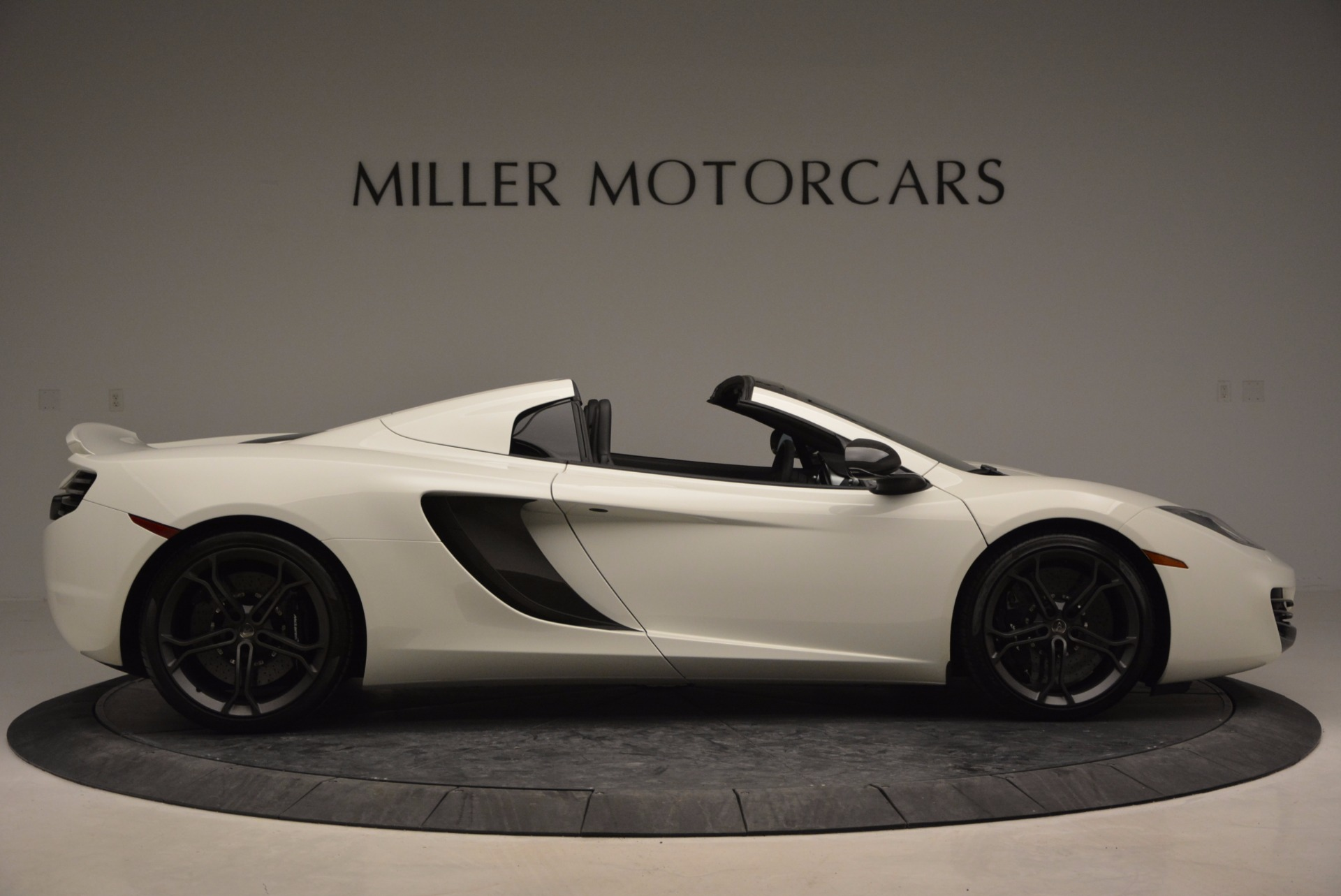 Used 2014 McLaren MP4-12C Spider For Sale In Greenwich, CT. Alfa Romeo of Greenwich, 3136 908_p9