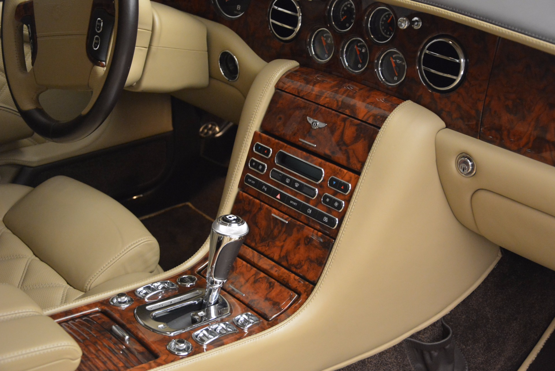 Used 2009 Bentley Brooklands  For Sale In Greenwich, CT. Alfa Romeo of Greenwich, 7145 925_p35