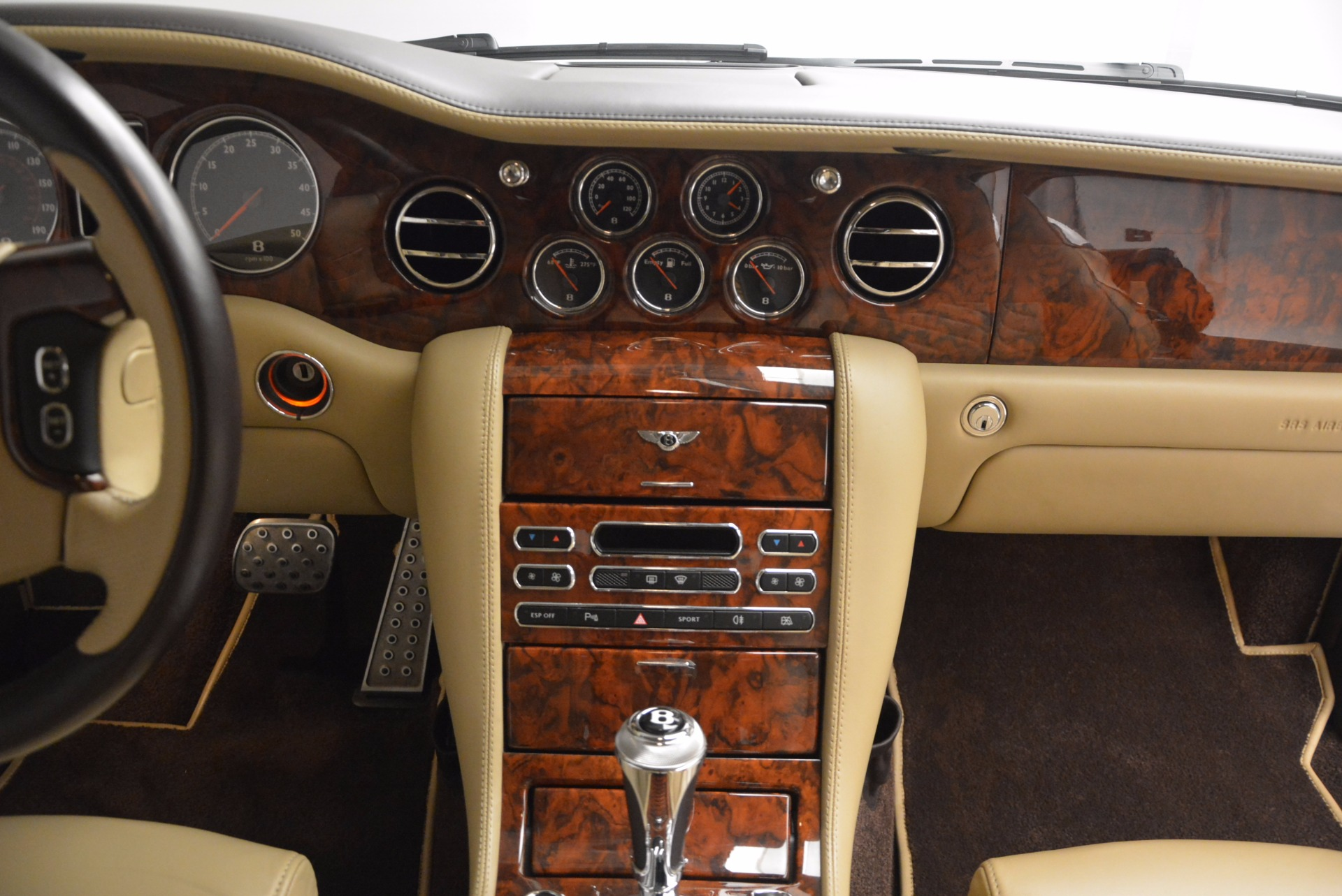 Used 2009 Bentley Brooklands  For Sale In Greenwich, CT. Alfa Romeo of Greenwich, 7145 925_p39
