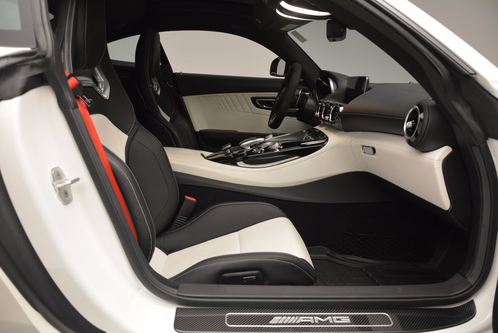 Used 2016 Mercedes Benz AMG GT S For Sale In Greenwich, CT. Alfa Romeo of Greenwich, 4360A 926_p19