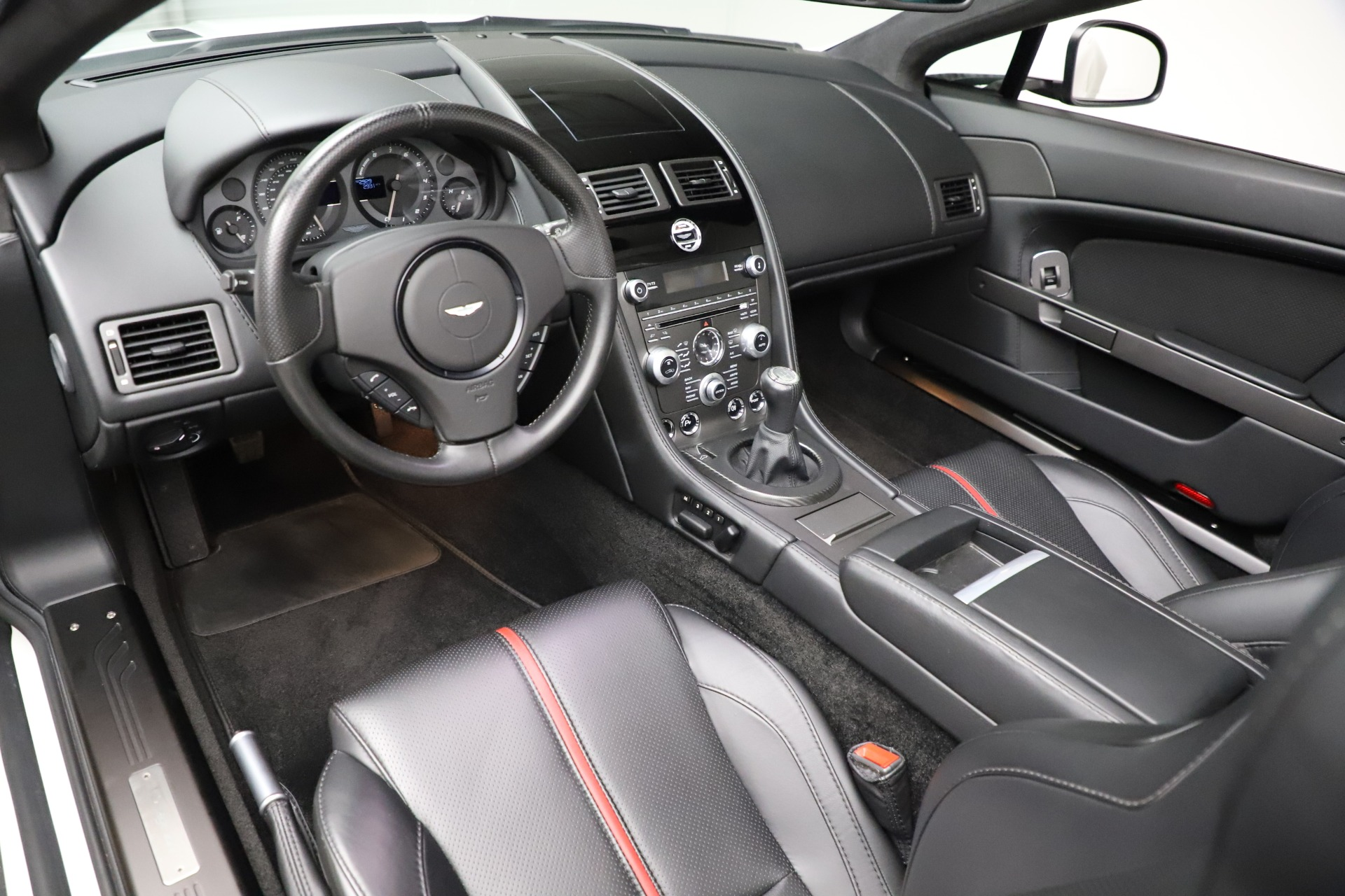 New 2015 Aston Martin Vantage GT GT Roadster For Sale In Greenwich, CT. Alfa Romeo of Greenwich, A1133 93_p14