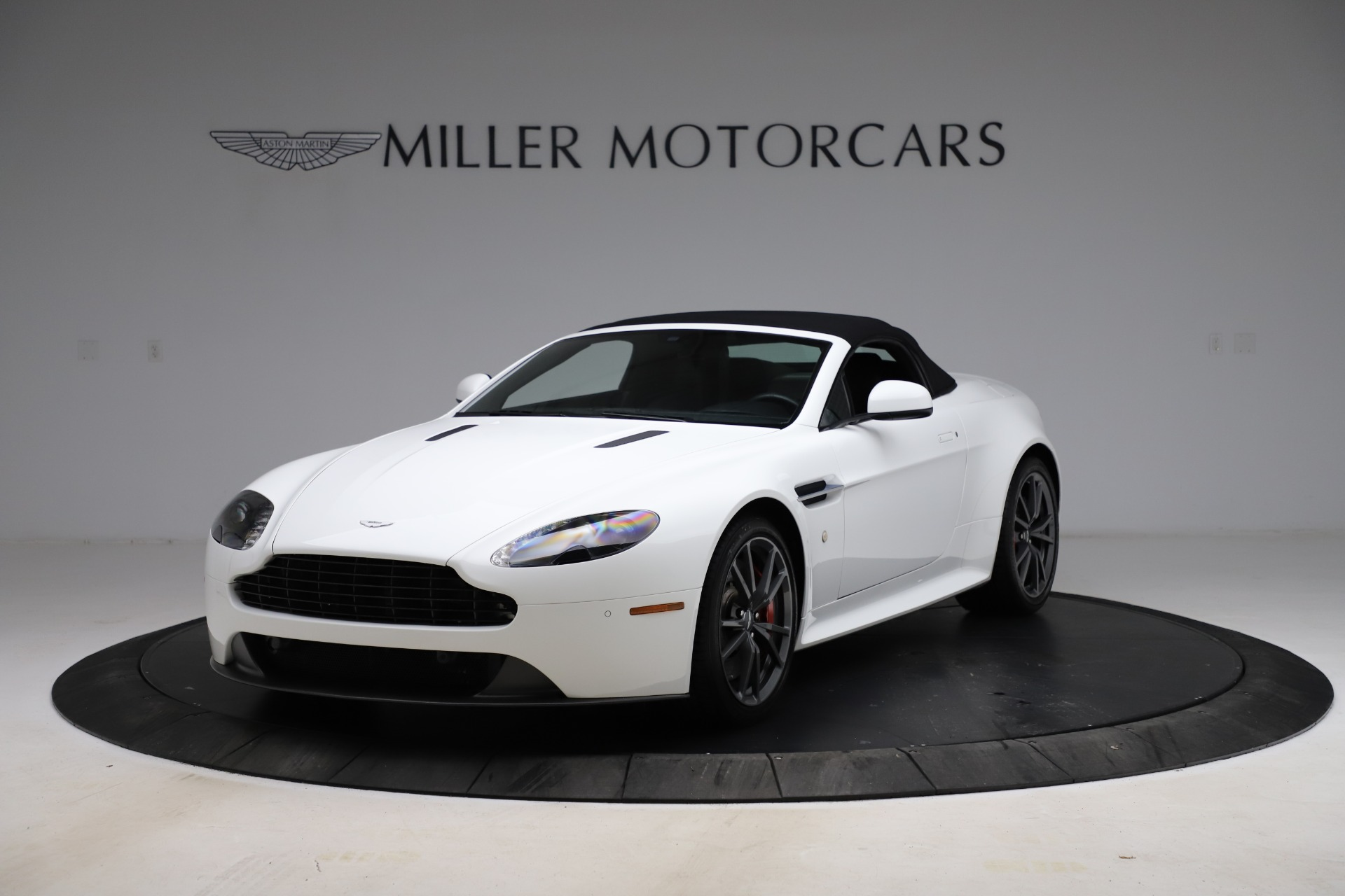 New 2015 Aston Martin Vantage GT GT Roadster For Sale In Greenwich, CT. Alfa Romeo of Greenwich, A1133 93_p25