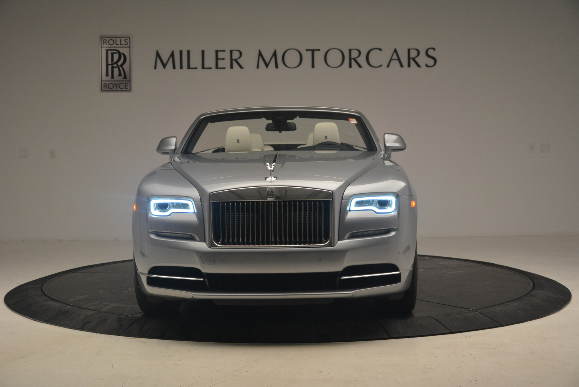 Used 2017 Rolls-Royce Dawn  For Sale In Greenwich, CT. Alfa Romeo of Greenwich, 7535 940_p12