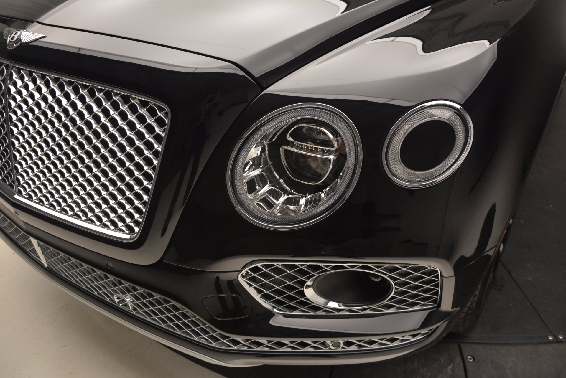 New 2017 Bentley Bentayga  For Sale In Greenwich, CT. Alfa Romeo of Greenwich, B1189 941_p14