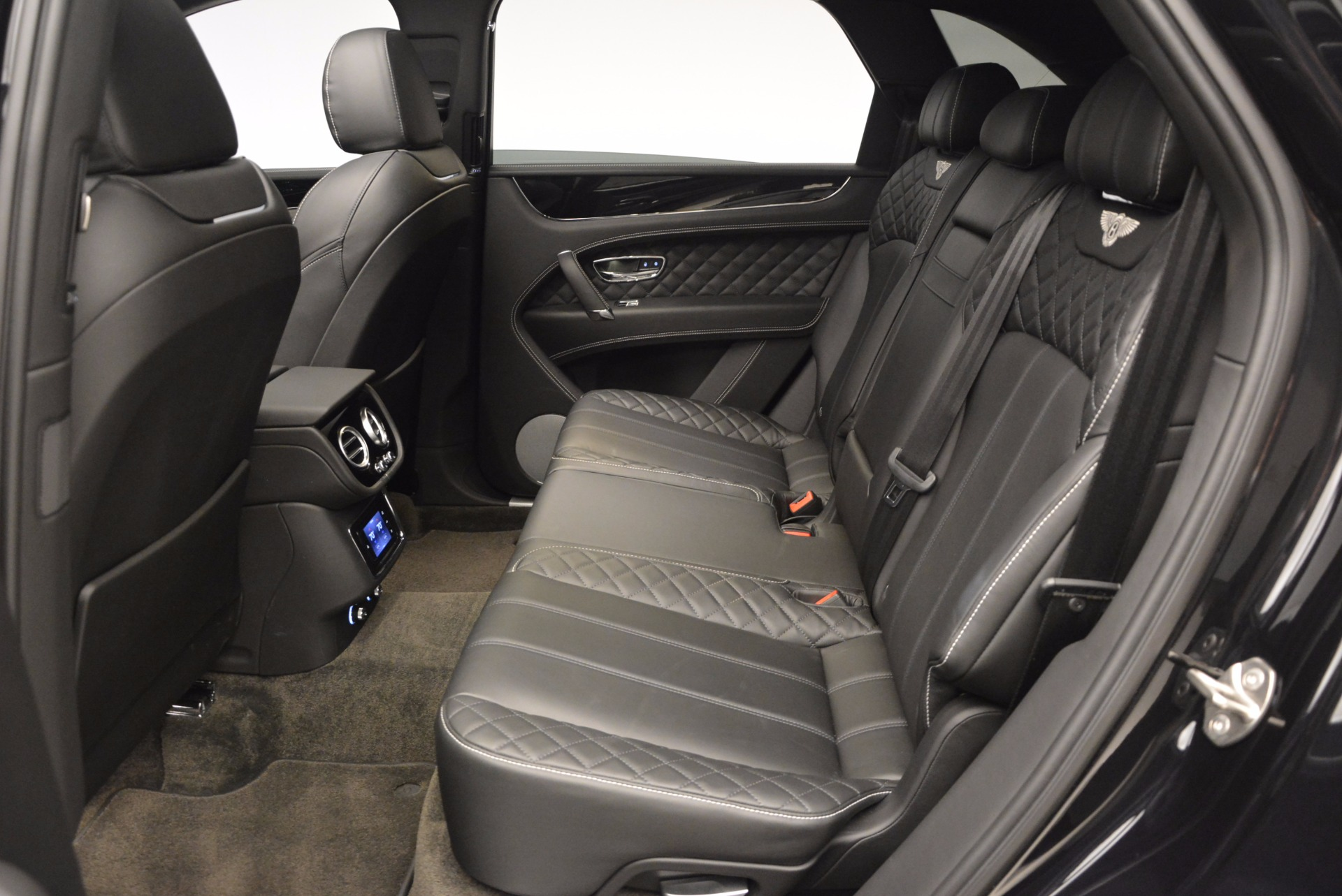 New 2017 Bentley Bentayga  For Sale In Greenwich, CT. Alfa Romeo of Greenwich, B1189 941_p30