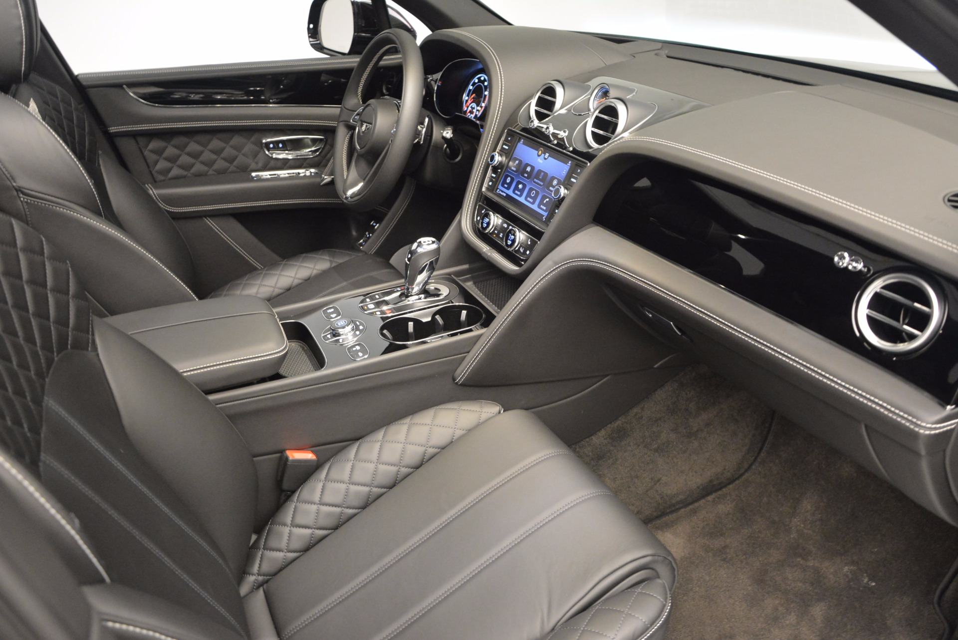 New 2017 Bentley Bentayga  For Sale In Greenwich, CT. Alfa Romeo of Greenwich, B1189 941_p39