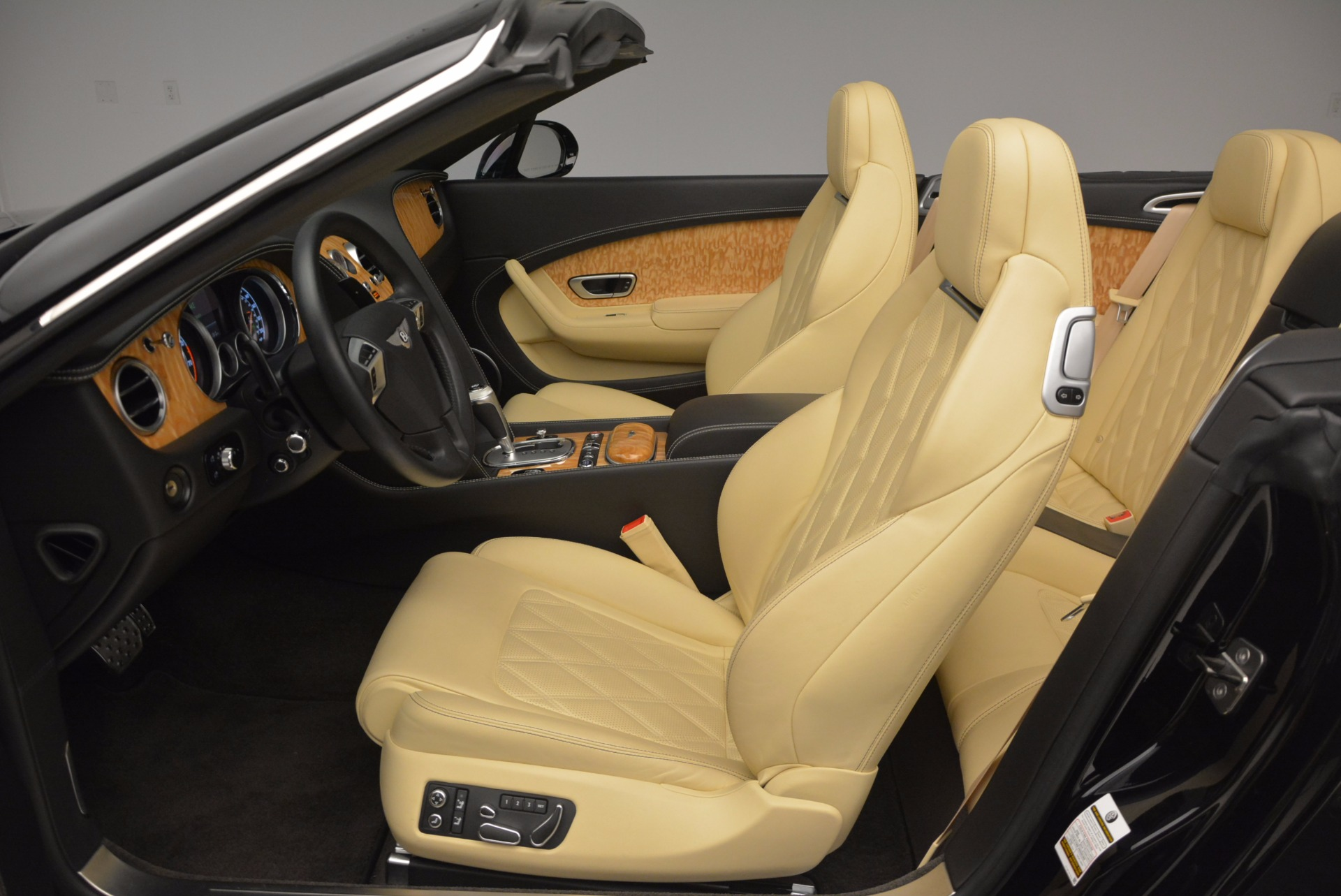 Used 2013 Bentley Continental GT V8 For Sale In Greenwich, CT. Alfa Romeo of Greenwich, 7144 945_p36