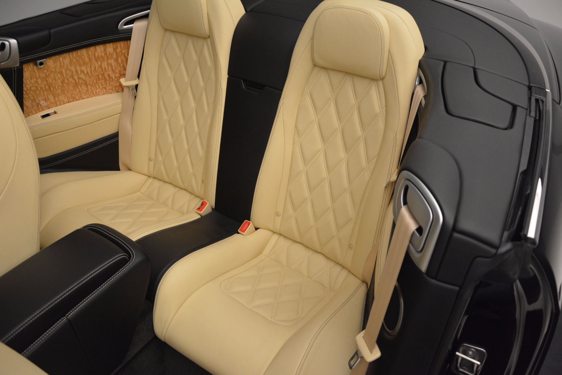 Used 2013 Bentley Continental GT V8 For Sale In Greenwich, CT. Alfa Romeo of Greenwich, 7144 945_p38