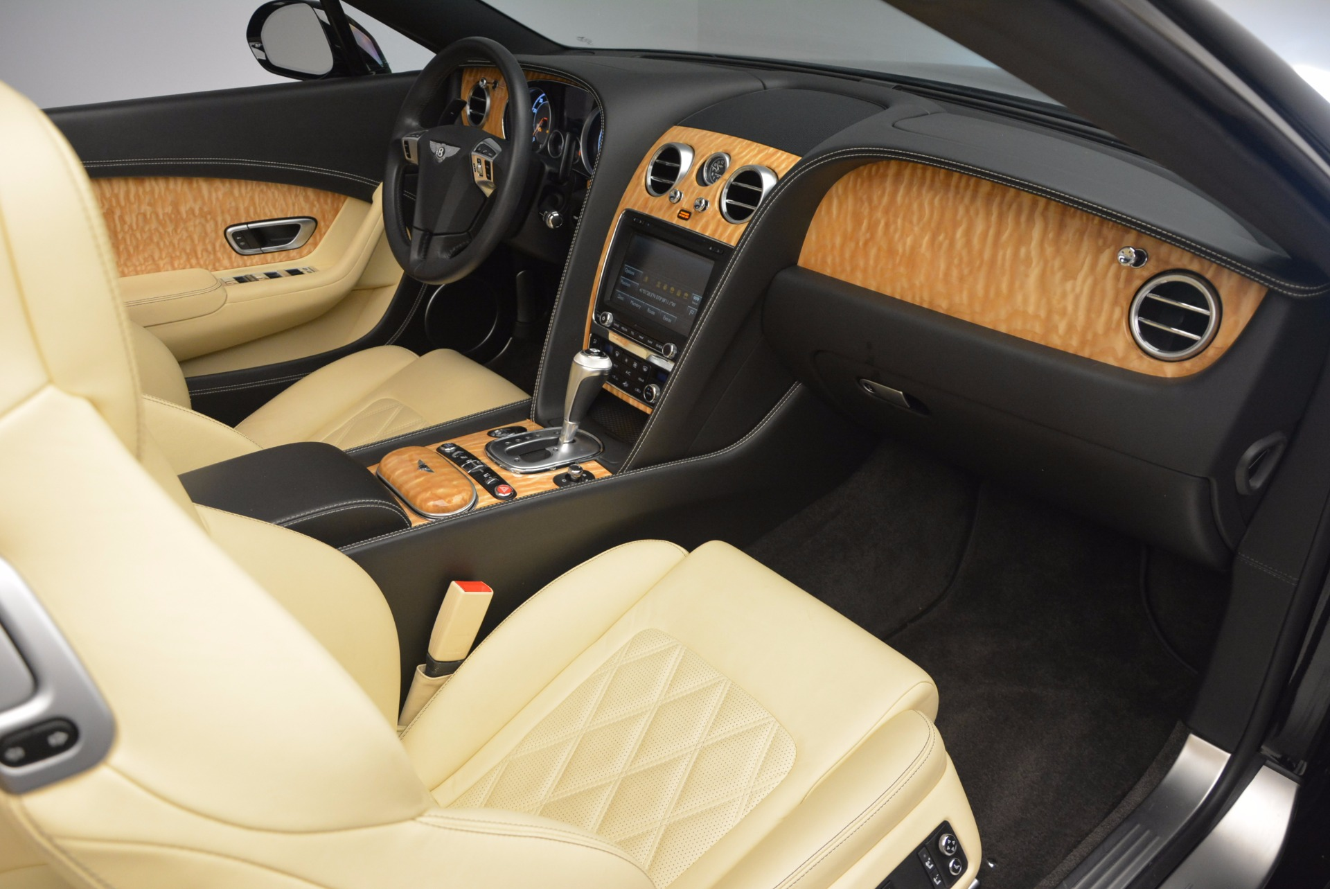 Used 2013 Bentley Continental GT V8 For Sale In Greenwich, CT. Alfa Romeo of Greenwich, 7144 945_p47