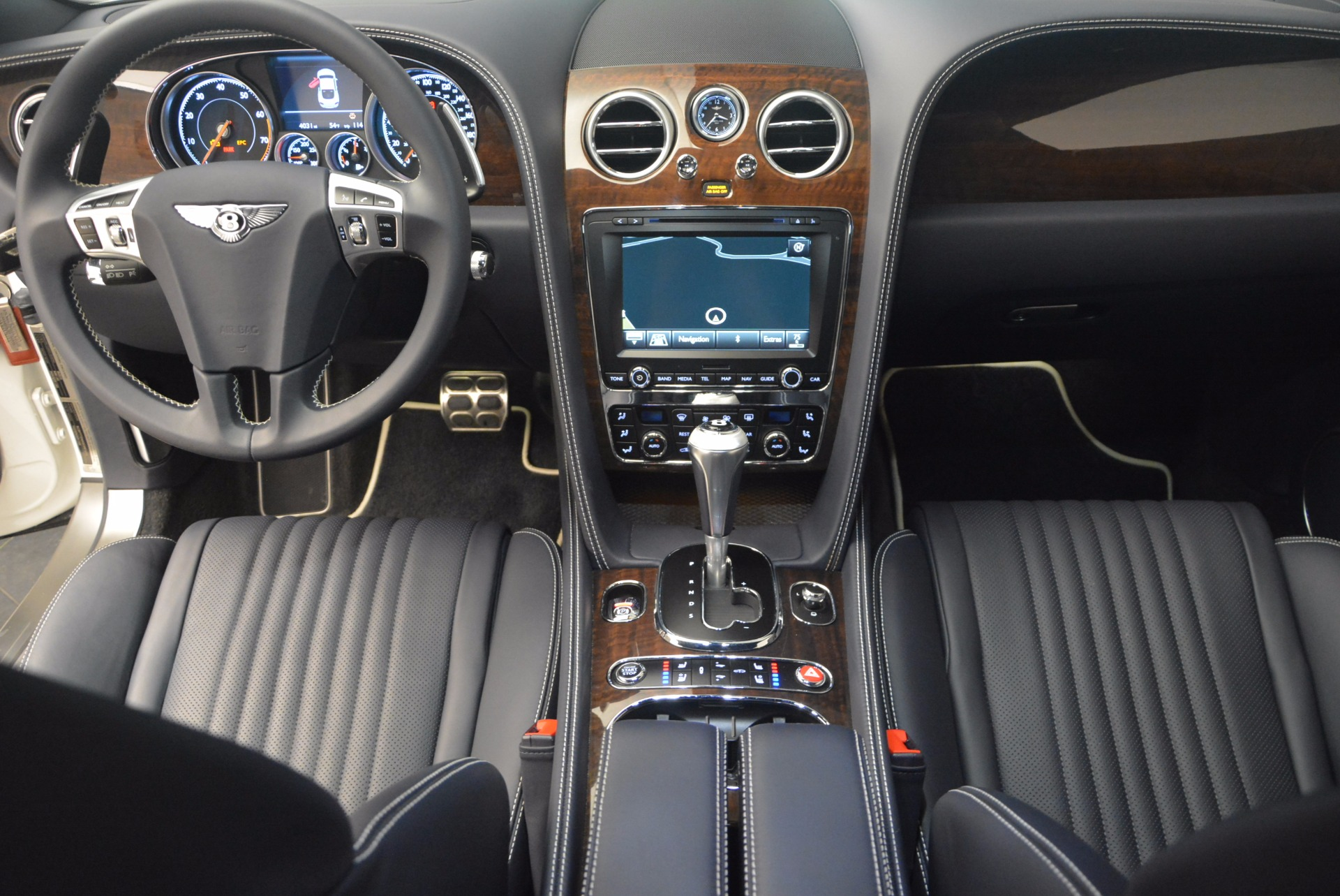 Used 2016 Bentley Continental GT V8 For Sale In Greenwich, CT. Alfa Romeo of Greenwich, 7156 946_p27