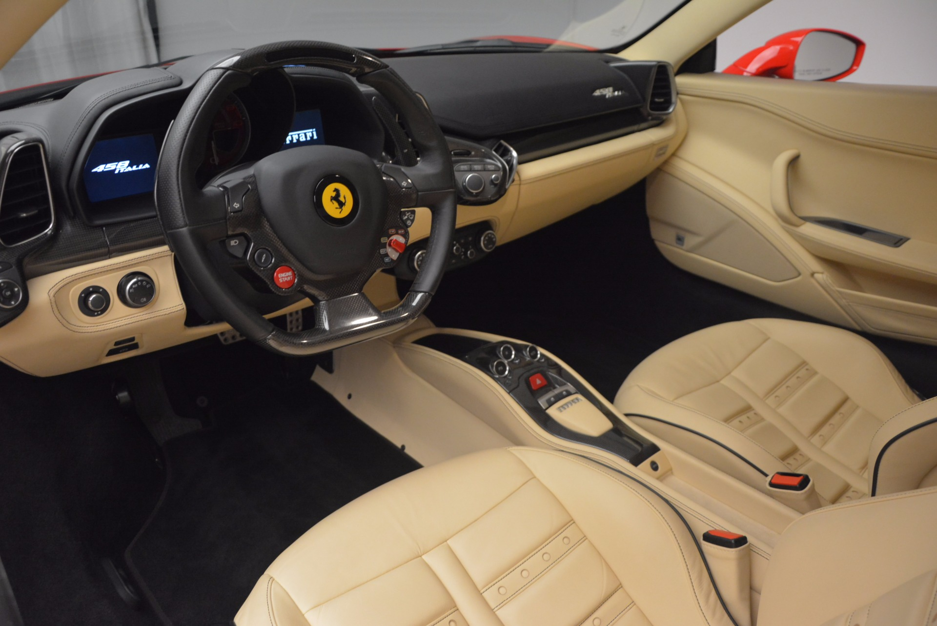 Used 2011 Ferrari 458 Italia  For Sale In Greenwich, CT. Alfa Romeo of Greenwich, 4379 953_p13