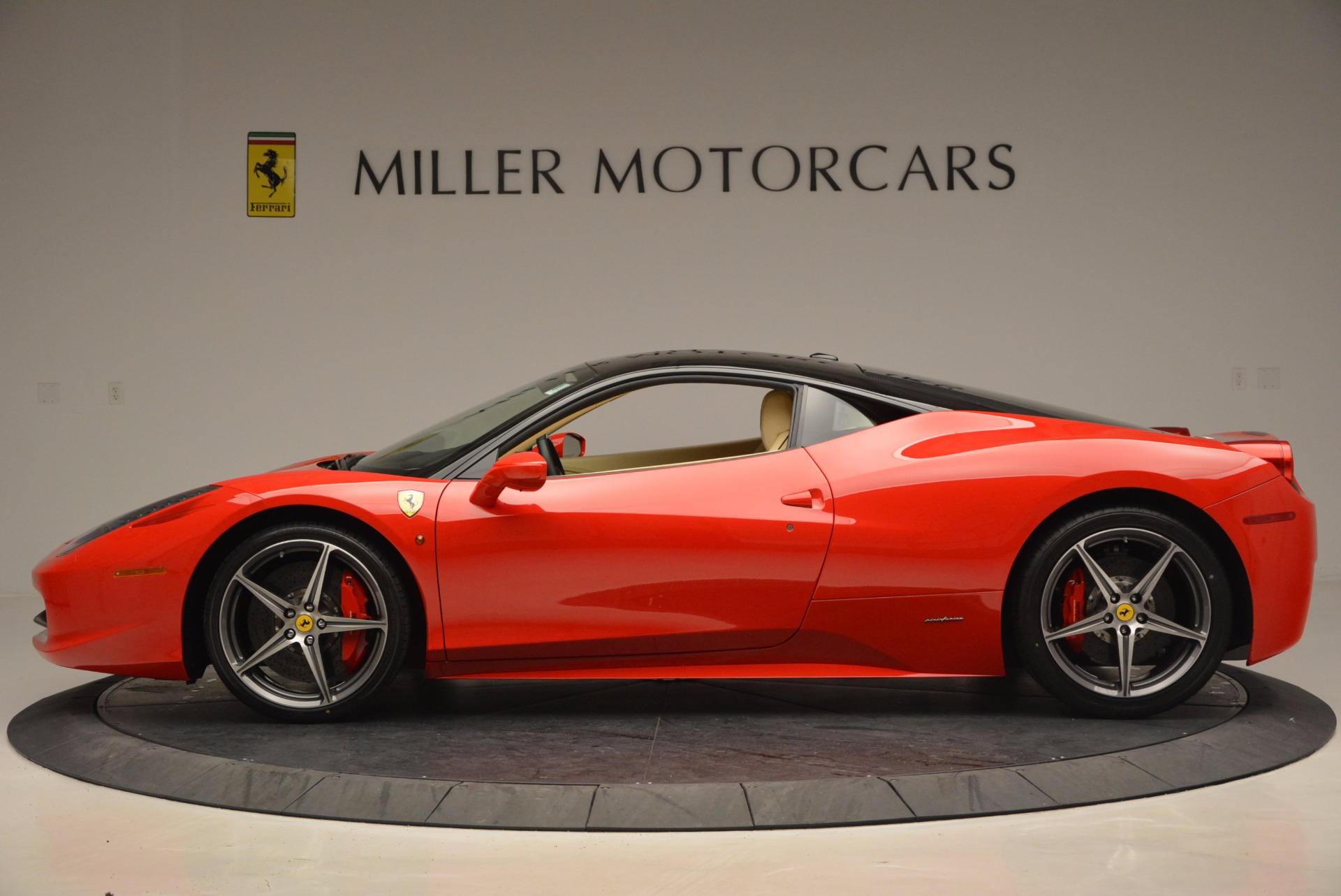 Used 2011 Ferrari 458 Italia  For Sale In Greenwich, CT. Alfa Romeo of Greenwich, 4379 953_p3