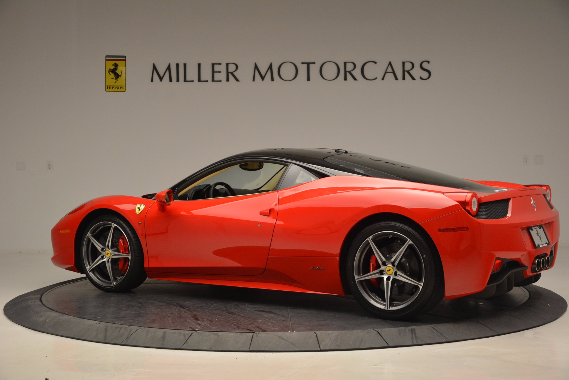 Used 2011 Ferrari 458 Italia  For Sale In Greenwich, CT. Alfa Romeo of Greenwich, 4379 953_p4
