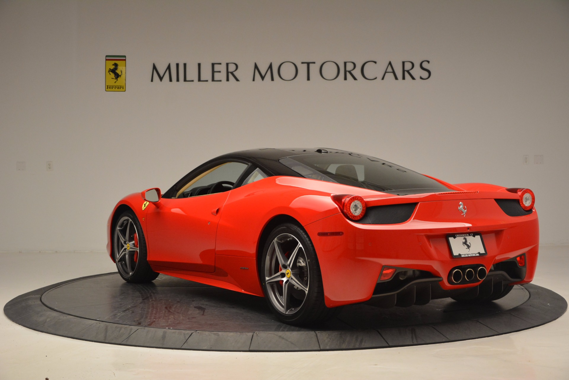 Used 2011 Ferrari 458 Italia  For Sale In Greenwich, CT. Alfa Romeo of Greenwich, 4379 953_p5