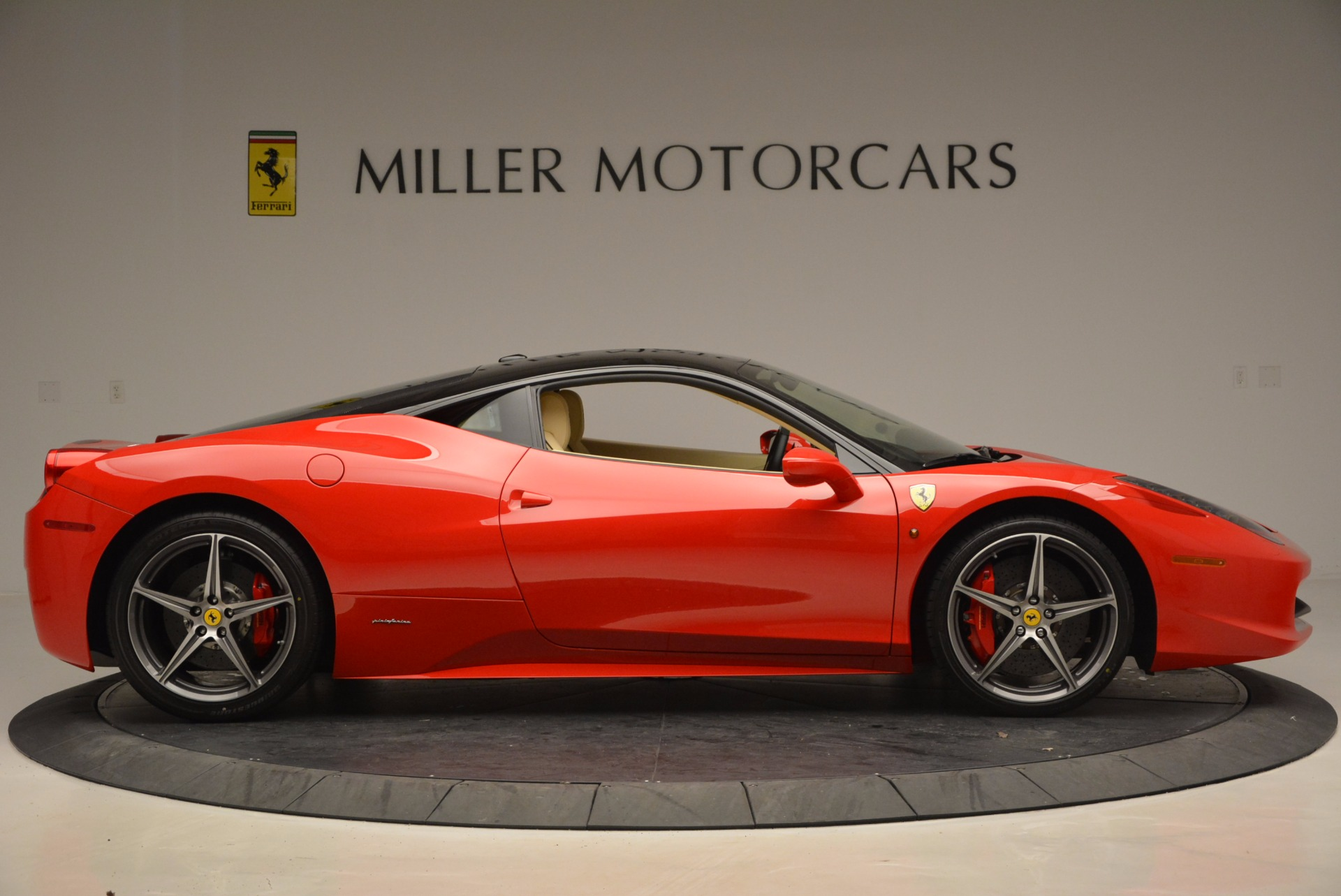 Used 2011 Ferrari 458 Italia  For Sale In Greenwich, CT. Alfa Romeo of Greenwich, 4379 953_p9