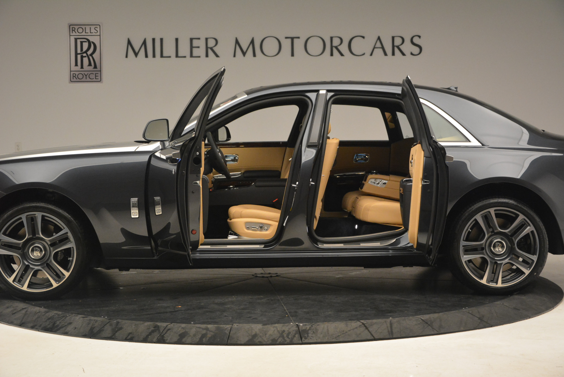 Used 2017 Rolls-Royce Ghost  For Sale In Greenwich, CT. Alfa Romeo of Greenwich, R419 954_p14