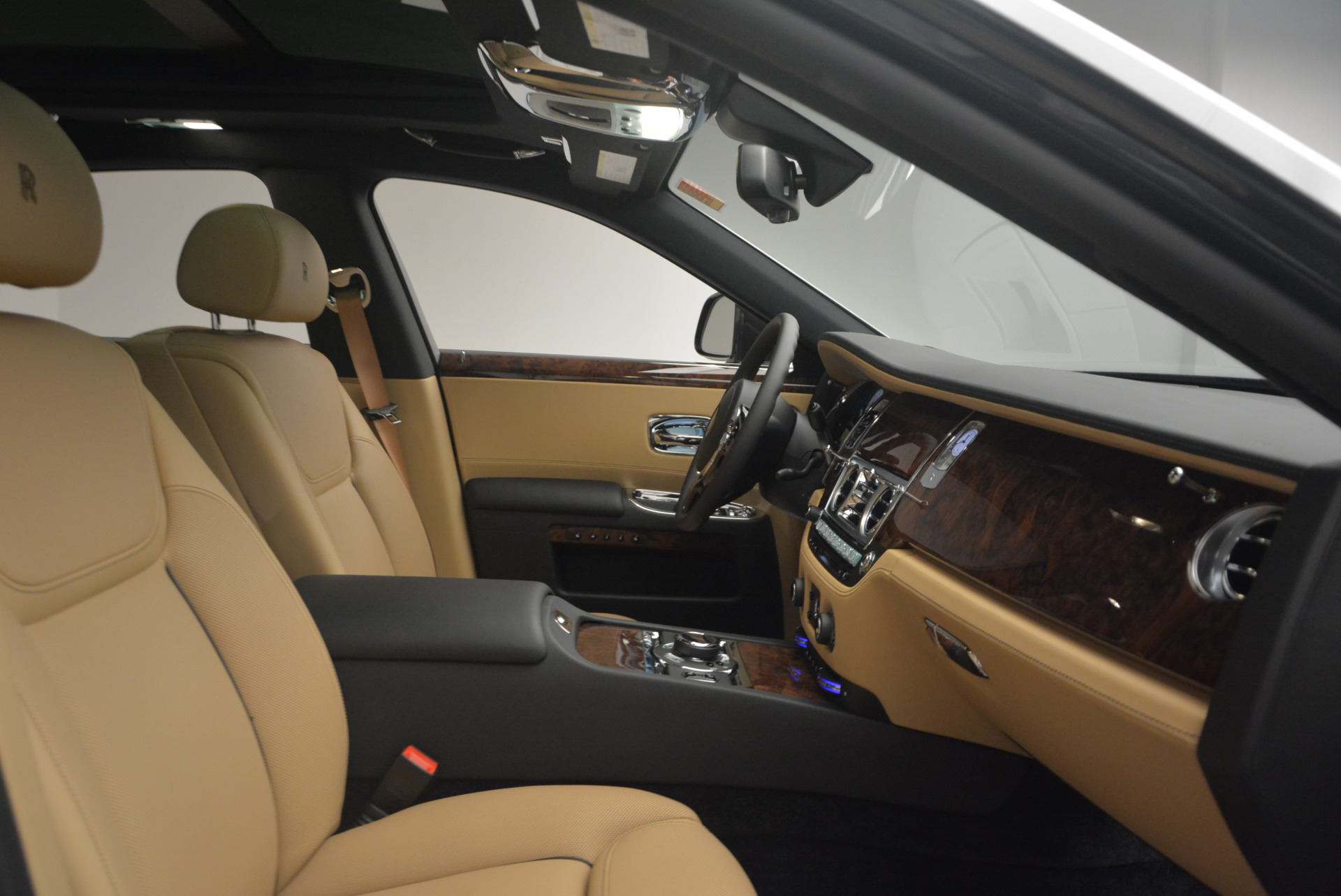 Used 2017 Rolls-Royce Ghost  For Sale In Greenwich, CT. Alfa Romeo of Greenwich, R419 954_p35