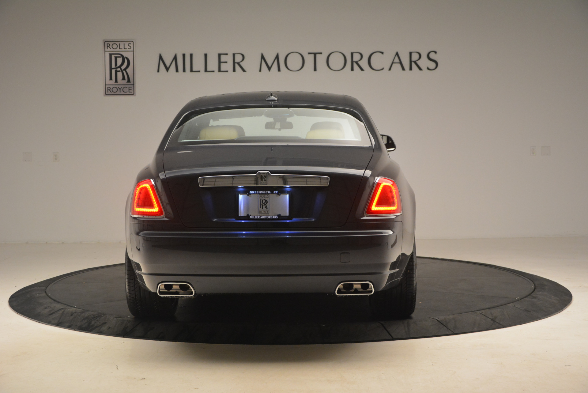 Used 2017 Rolls-Royce Ghost  For Sale In Greenwich, CT. Alfa Romeo of Greenwich, R419 954_p6