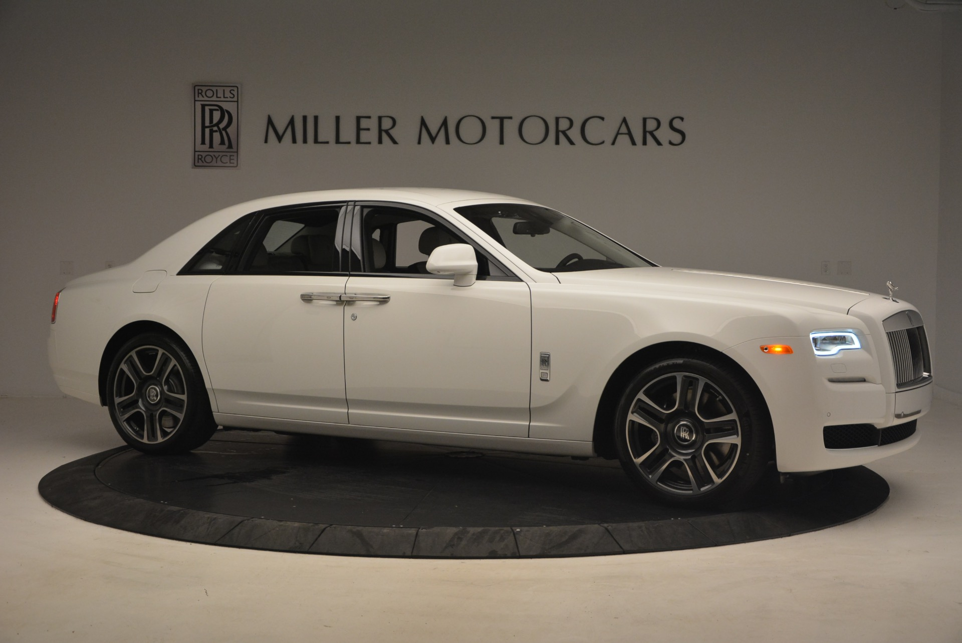 Used 2017 Rolls-Royce Ghost  For Sale In Greenwich, CT. Alfa Romeo of Greenwich, R427 971_p10