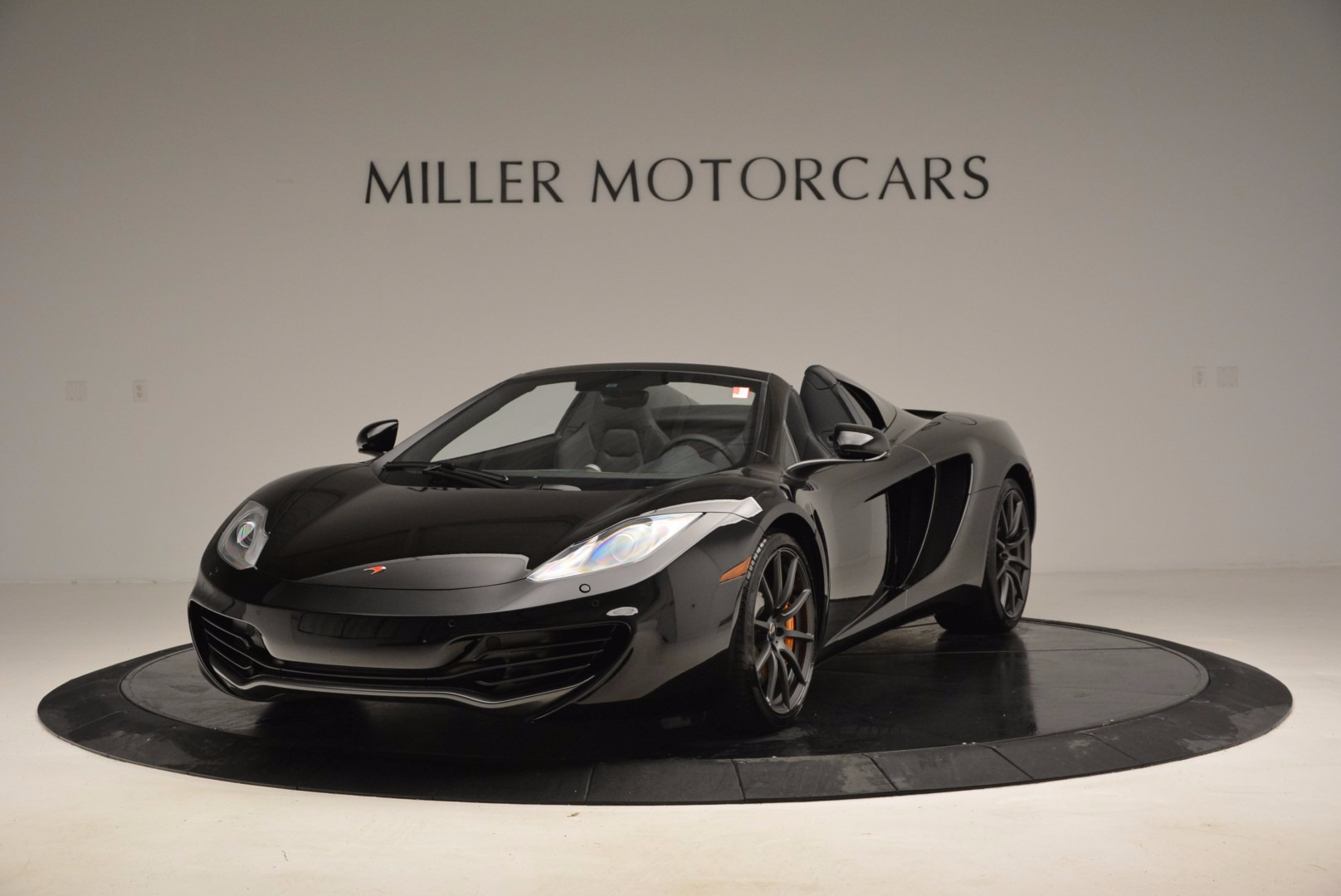 Used 2013 McLaren 12C Spider  For Sale In Greenwich, CT. Alfa Romeo of Greenwich, 3093