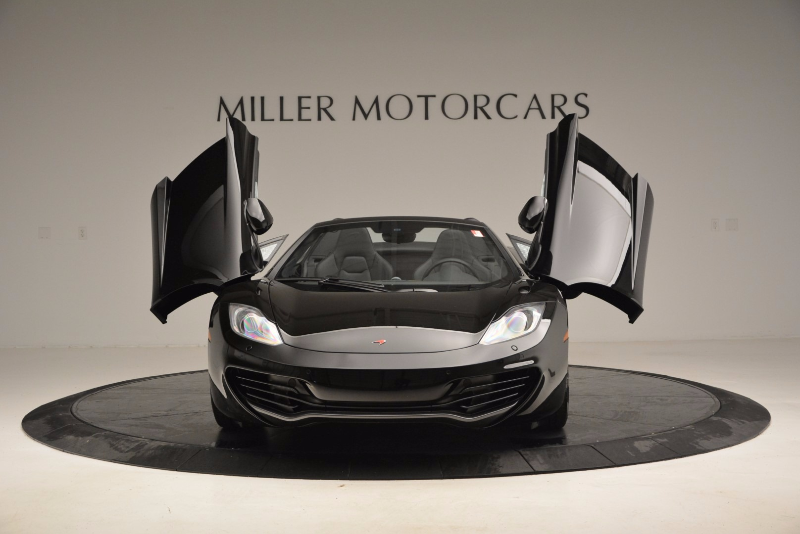 Used 2013 McLaren 12C Spider  For Sale In Greenwich, CT. Alfa Romeo of Greenwich, 3093 973_p13