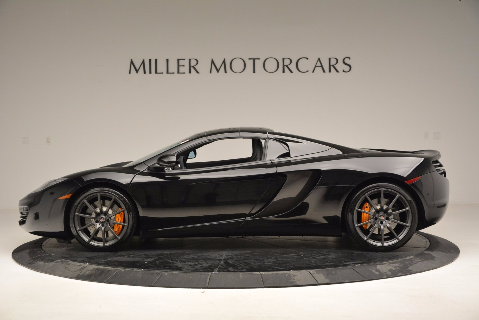 Used 2013 McLaren 12C Spider  For Sale In Greenwich, CT. Alfa Romeo of Greenwich, 3093 973_p16