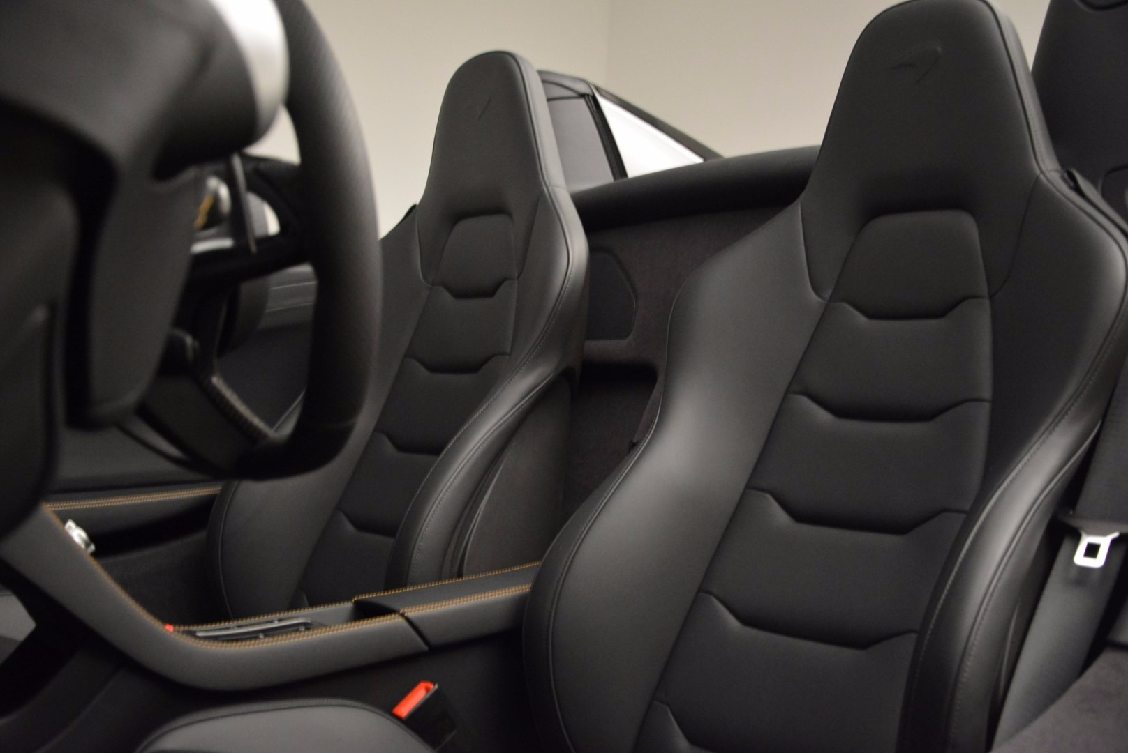 Used 2013 McLaren 12C Spider  For Sale In Greenwich, CT. Alfa Romeo of Greenwich, 3093 973_p26
