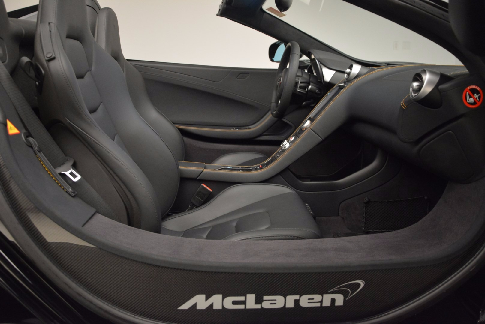 Used 2013 McLaren 12C Spider  For Sale In Greenwich, CT. Alfa Romeo of Greenwich, 3093 973_p29