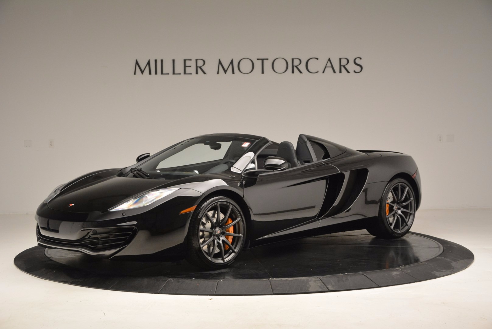 Used 2013 McLaren 12C Spider  For Sale In Greenwich, CT. Alfa Romeo of Greenwich, 3093 973_p2