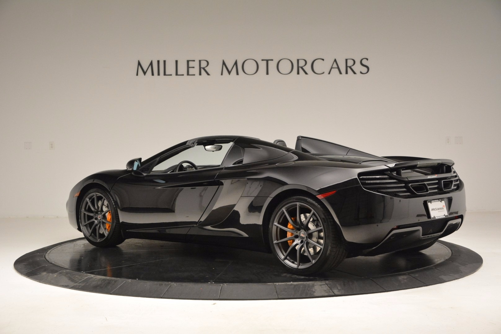 Used 2013 McLaren 12C Spider  For Sale In Greenwich, CT. Alfa Romeo of Greenwich, 3093 973_p4
