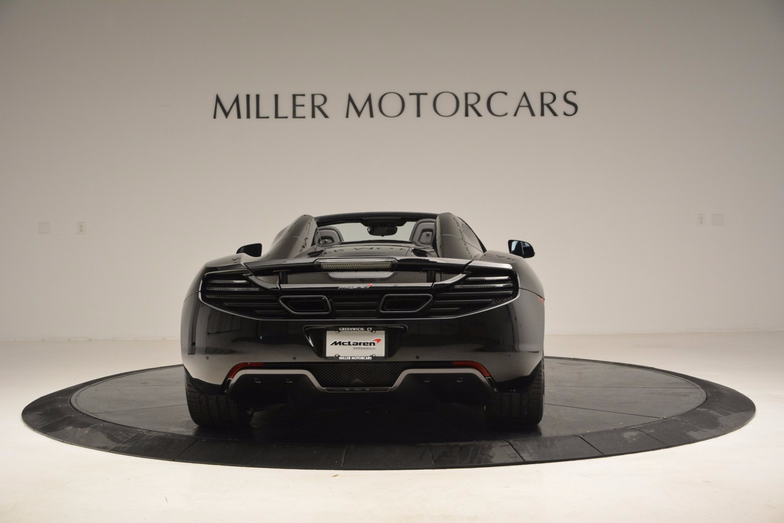 Used 2013 McLaren 12C Spider  For Sale In Greenwich, CT. Alfa Romeo of Greenwich, 3093 973_p6