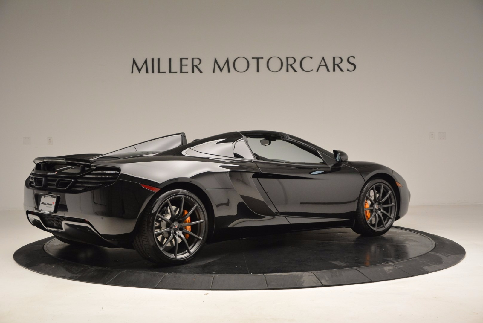 Used 2013 McLaren 12C Spider  For Sale In Greenwich, CT. Alfa Romeo of Greenwich, 3093 973_p8