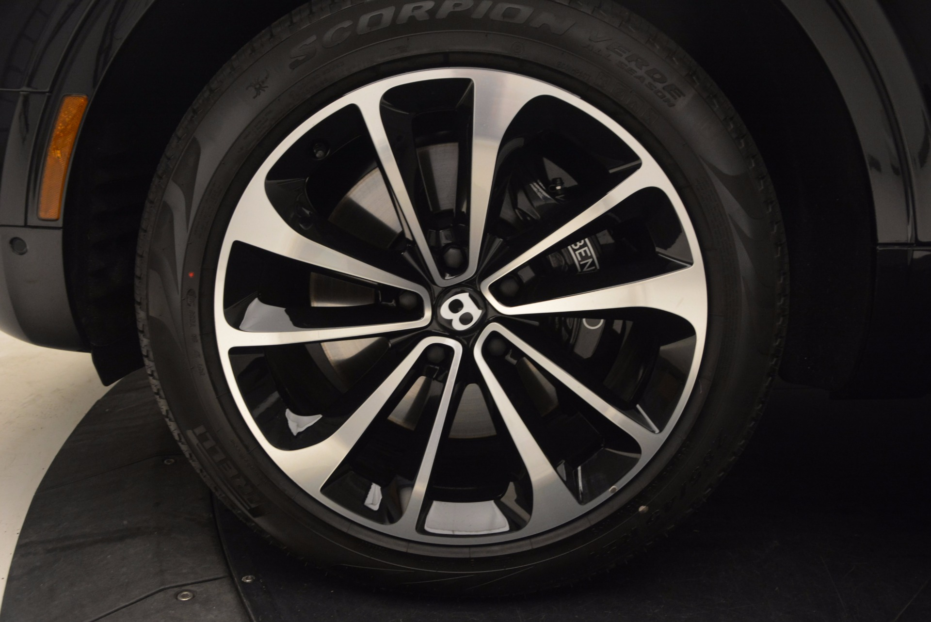 Used 2017 Bentley Bentayga  For Sale In Greenwich, CT. Alfa Romeo of Greenwich, B1233 989_p19