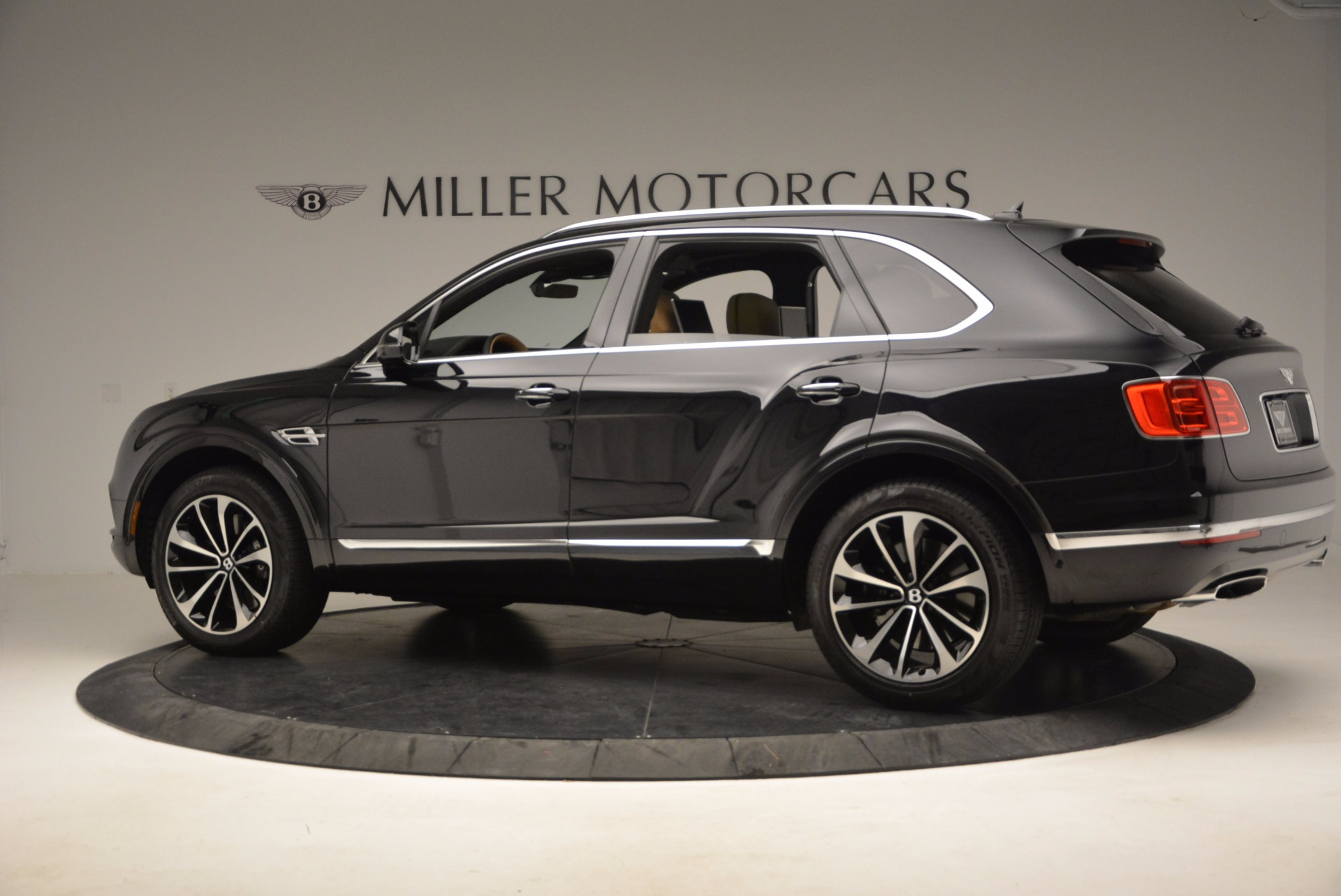Used 2017 Bentley Bentayga For 0 In Greenwich Ct 989 P4