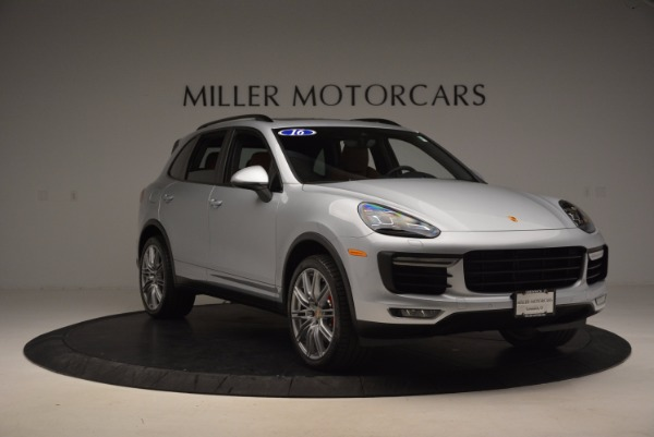 Used 2016 Porsche Cayenne Turbo for sale Sold at Alfa Romeo of Greenwich in Greenwich CT 06830 11