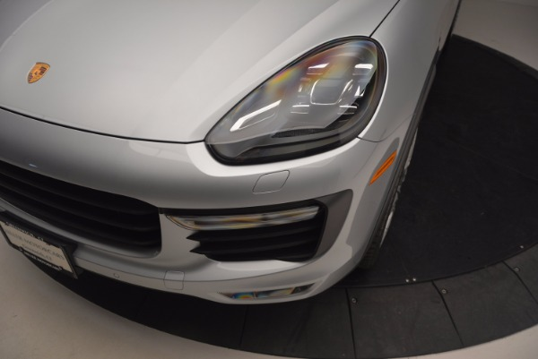 Used 2016 Porsche Cayenne Turbo for sale Sold at Alfa Romeo of Greenwich in Greenwich CT 06830 14