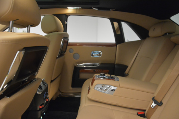 Used 2013 Rolls-Royce Ghost for sale Sold at Alfa Romeo of Greenwich in Greenwich CT 06830 21
