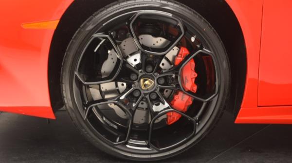 Used 2016 Lamborghini Huracan LP 580-2 for sale Sold at Alfa Romeo of Greenwich in Greenwich CT 06830 17