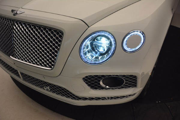 Used 2017 Bentley Bentayga for sale Sold at Alfa Romeo of Greenwich in Greenwich CT 06830 16