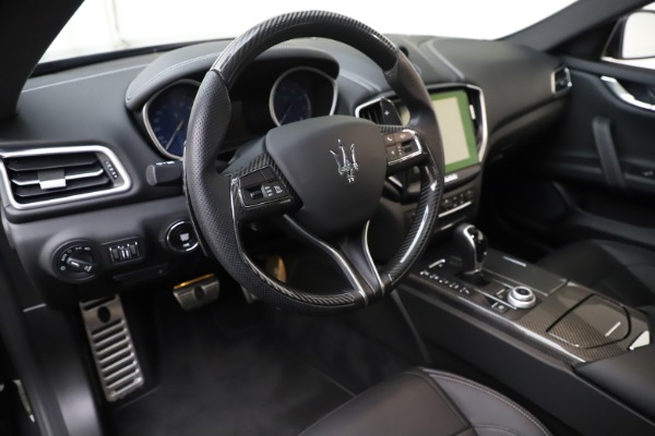 Used 2017 Maserati Ghibli S Q4 for sale Sold at Alfa Romeo of Greenwich in Greenwich CT 06830 13