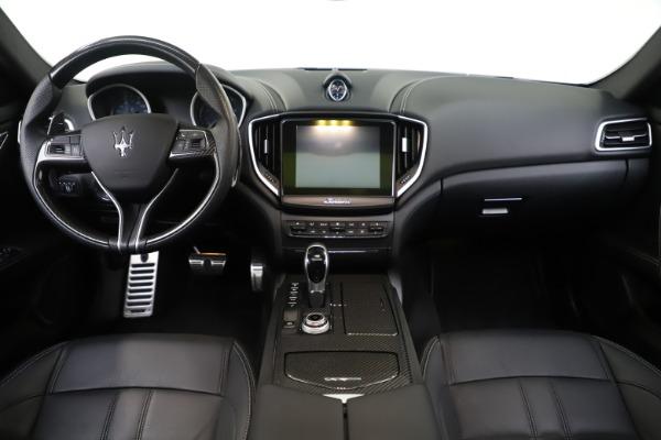 Used 2017 Maserati Ghibli S Q4 for sale Sold at Alfa Romeo of Greenwich in Greenwich CT 06830 16