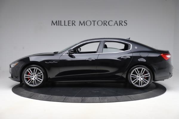 Used 2017 Maserati Ghibli S Q4 for sale Sold at Alfa Romeo of Greenwich in Greenwich CT 06830 3