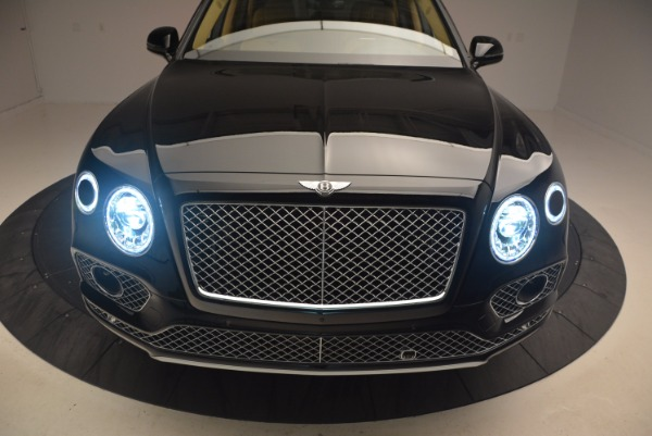 Used 2017 Bentley Bentayga for sale Sold at Alfa Romeo of Greenwich in Greenwich CT 06830 17